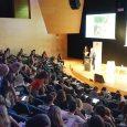 """Es presenta el projecte del """"Bosc i l'Hort de les Escoles"""" de Sant Sadurní davant al comunitat educativa al Simposi Sobre aprenentatge i serveis ambientals celebrat al Cosmocaixa de Barcelona."""